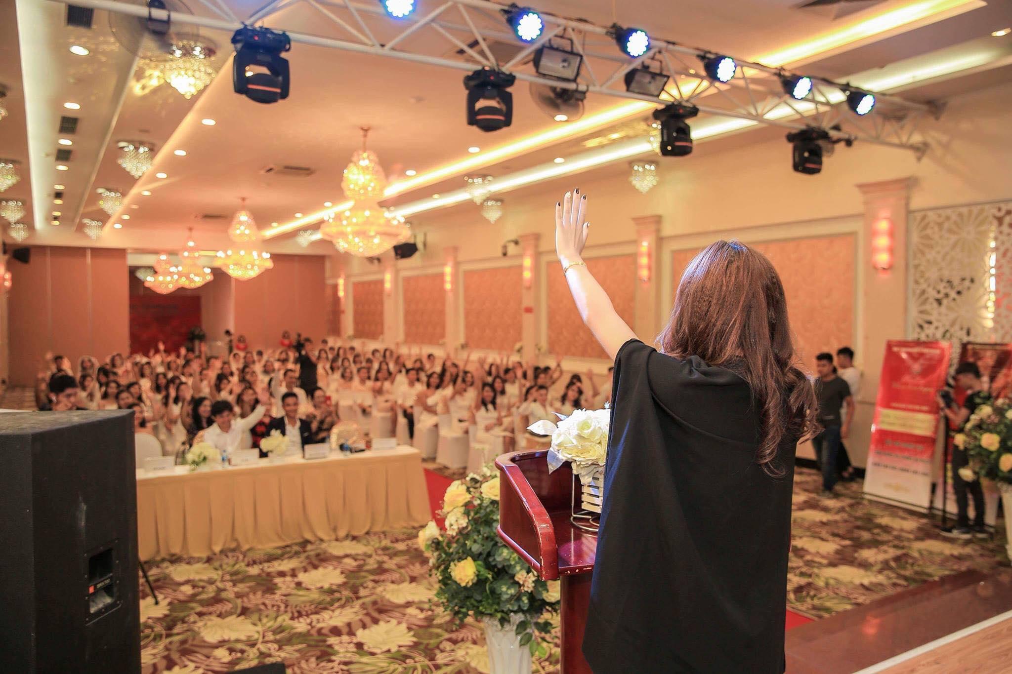 Lương Hoài Thương- CEO Thương Hiệu Mỹ Phẩm Roza-Một trong số ít doanh nhân trẻ sở hữu doanh nghiệp riêng sau khi tốt nghiệp đại học - Ảnh 2