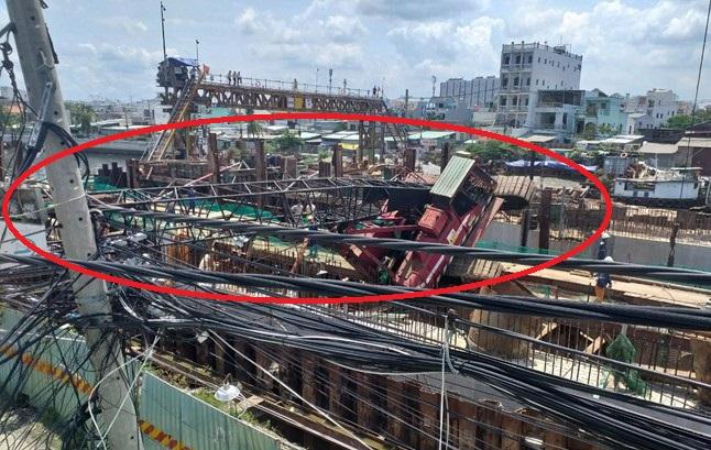 TP. HCM: Cần cẩu 25m dự án chống ngập 10.000 tỷ bất ngờ đổ sập vào nhà dân - Ảnh 4