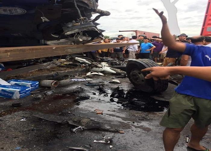 Kim Thành - Hải Dương: Một xe tải trở nước đóng chai Aquafina bất ngờ lật đổ gây hậu quả đặc biệt nghiêm trọng - Ảnh 4