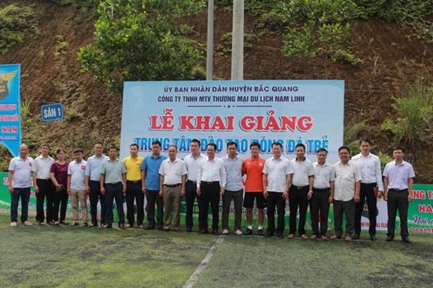 Trung tâm đào tạo bóng đá trẻ Nam Linh long trọng tổ chức lễ khai giảng khóa đầu tiên tại Hà Giang. - Ảnh 4