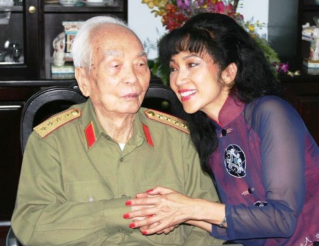 Đại tướng Võ Nguyên Giáp: Người anh cả của Quân đội còn sống mãi trong lòng dân và nhân loại yêu chuộng hòa bình! - Ảnh 7