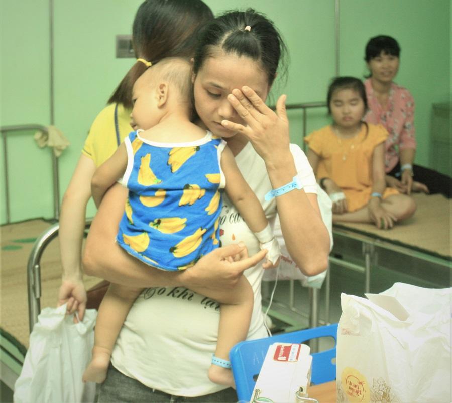 Mang Trung thu yêu thương đến với các em nhỏ trên giường bệnh - Ảnh 14