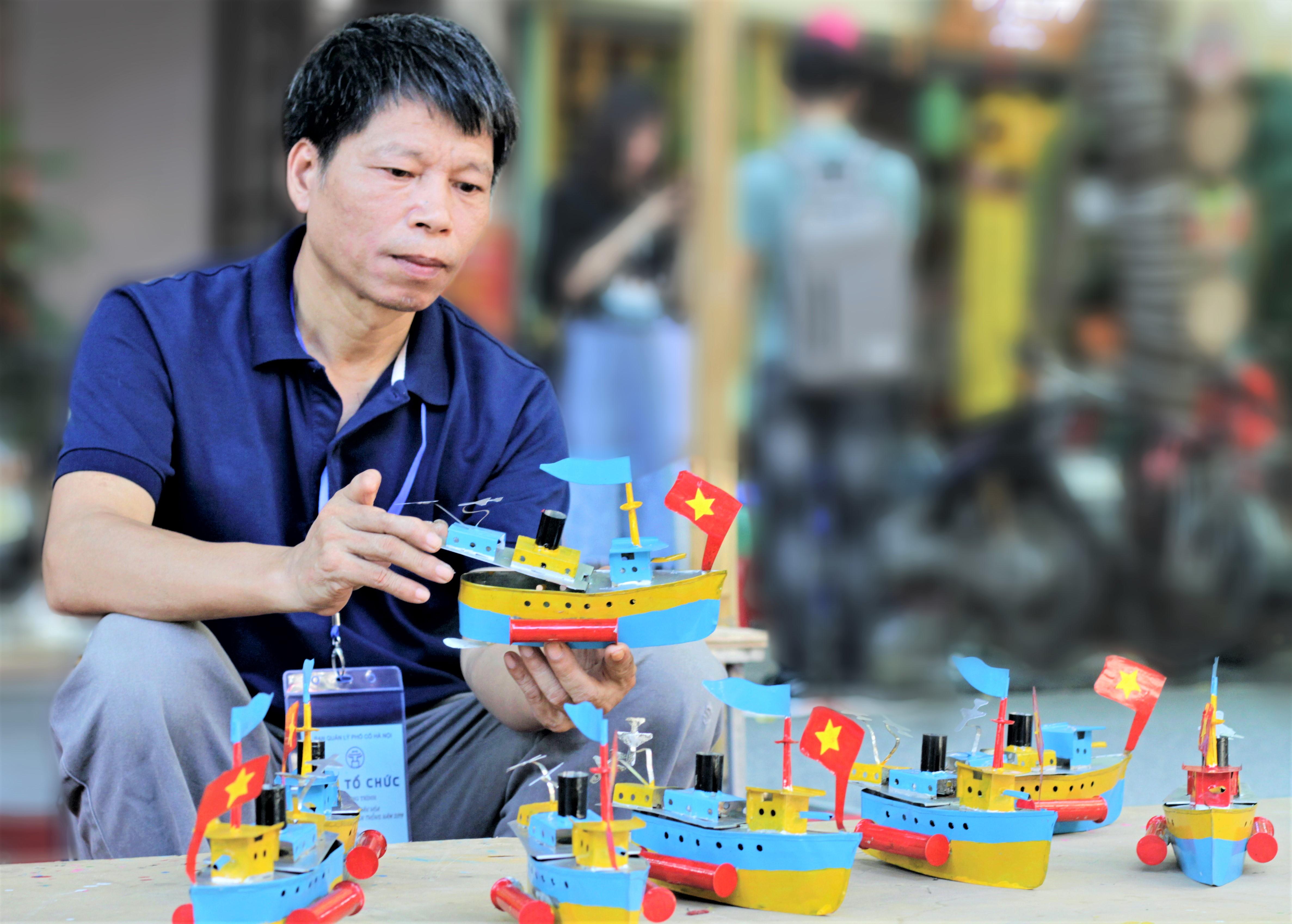 Vua tàu thủy Khương Hạ: 40 năm niềm đam mê từ sắt vụn - Ảnh 1
