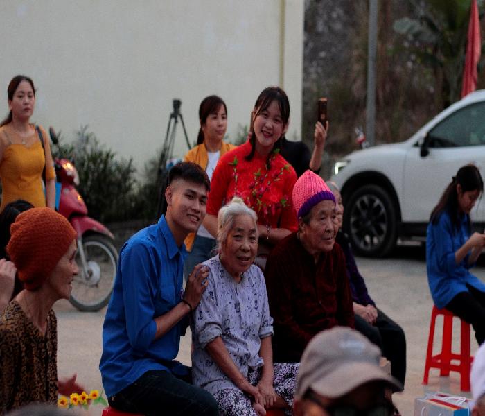 Cùng Zila VietNam và Đại học Văn hóa Hà Nội mang 'Xuân trao yêu thương 2020' đến với bệnh viện Phong Ba Sao - Ảnh 3