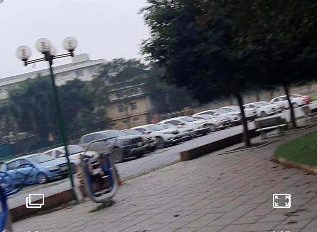 """Nghĩa Tân (Cầu Giấy, Hà Nội): """"Hô biến"""" Trung tâm văn hóa thành bãi trông giữ xe, thu lợi bất chính? - Ảnh 2"""