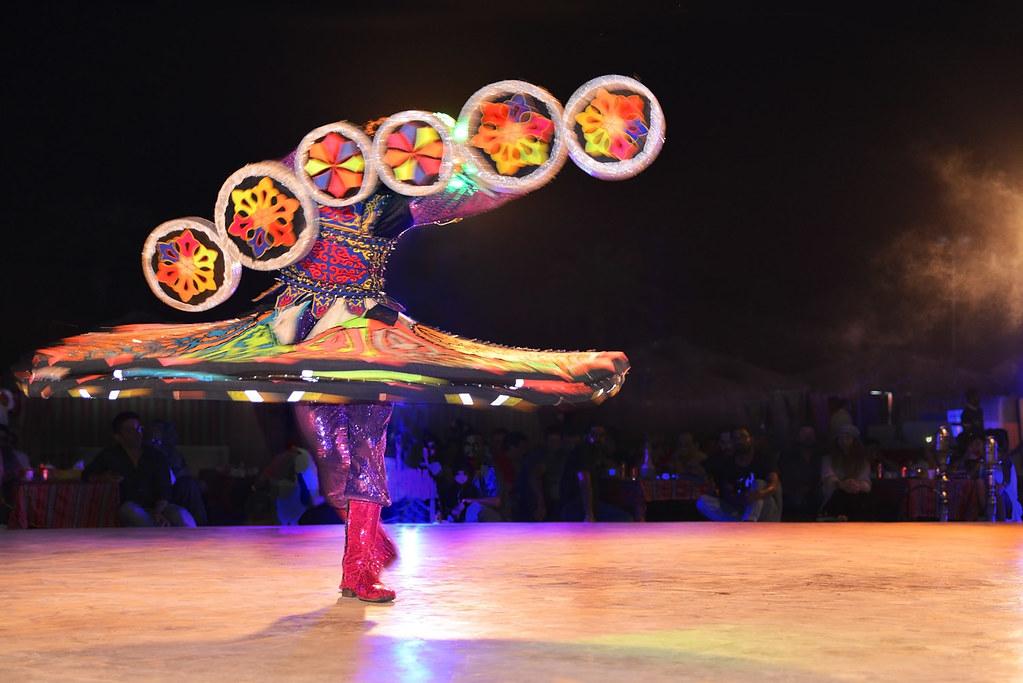 Vũ điệu trên sa mạc tại Các tiểu vương quốc Ả Rập - Ảnh 3