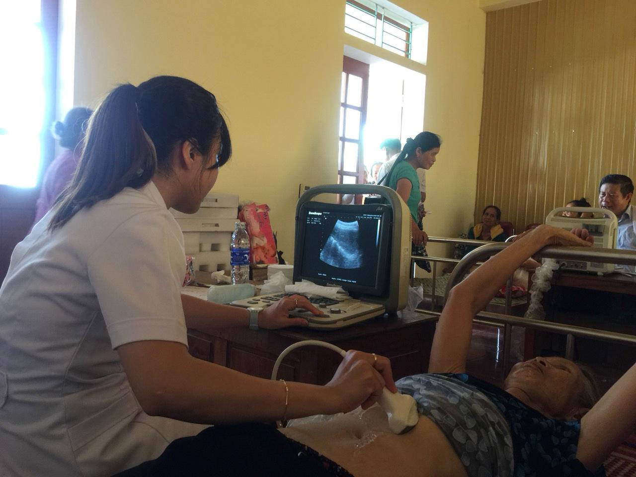 Nghệ An: 600 người dân nghèo huyện Thanh Chương được khám bệnh, cấp thuốc miễn phí - Ảnh 4