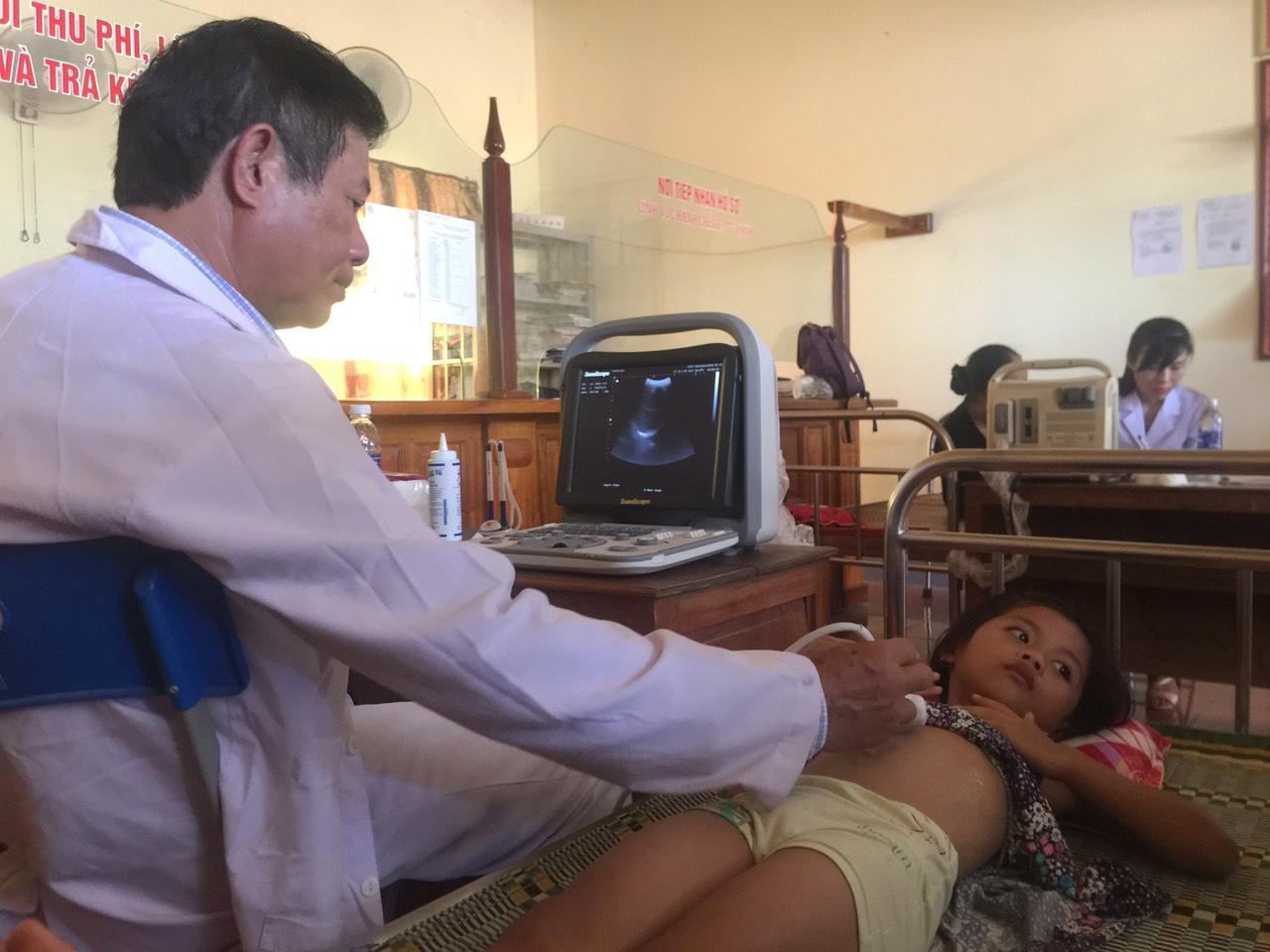 Nghệ An: 600 người dân nghèo huyện Thanh Chương được khám bệnh, cấp thuốc miễn phí - Ảnh 5
