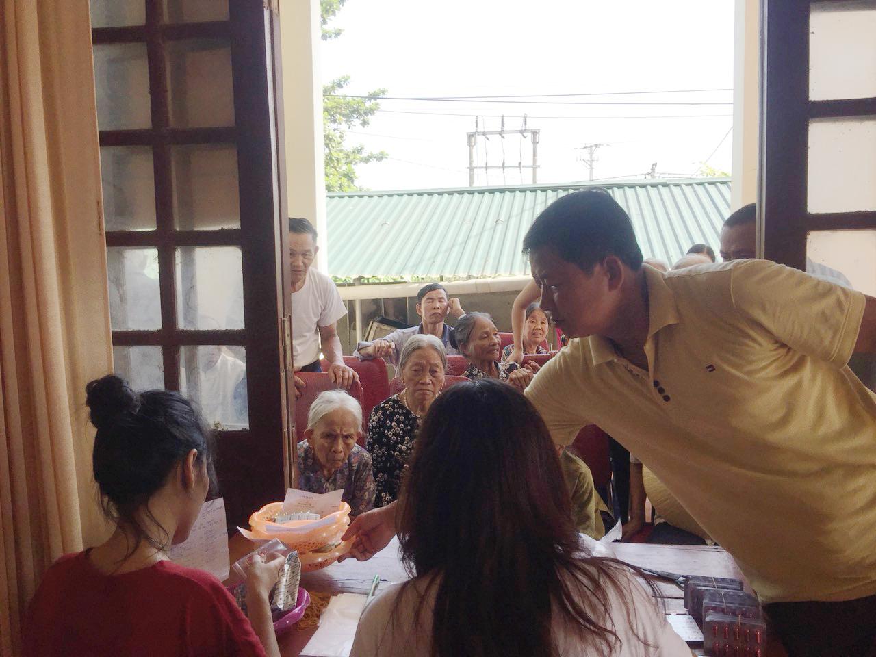 Nghệ An: 600 người dân nghèo huyện Thanh Chương được khám bệnh, cấp thuốc miễn phí - Ảnh 6