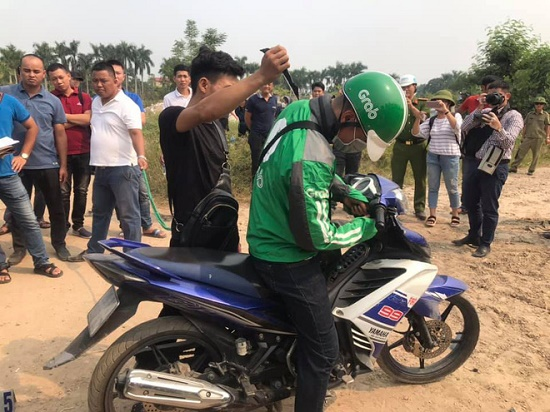 Thực nghiệm hiện trường vụ nam sinh chạy Grab bị sát hại ở Hà Nội - Ảnh 7