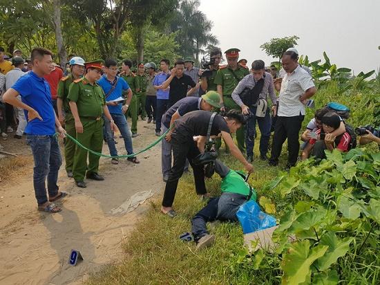 Thực nghiệm hiện trường vụ nam sinh chạy Grab bị sát hại ở Hà Nội - Ảnh 8