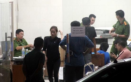 Vụ nhóm giang hồ chặn xe chở công an ở Đồng Nai: Khởi tố chủ doanh nghiệp gây rối trật tự tội trốn thuế - Ảnh 1