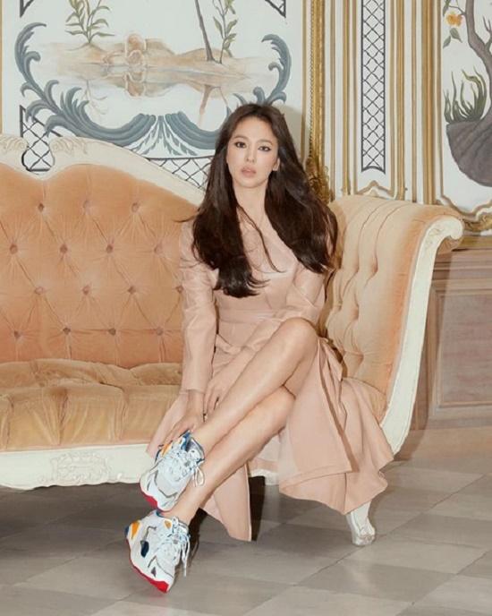 Song Hye Kyo lần đầu xuất hiện trước công chúng tại Hàn Quốc sau ly hôn - Ảnh 4