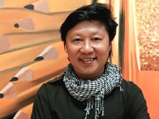 Vụ nữ ca sĩ mặc Áo Dài phản cảm: Những ý kiến trái ngược từ phía NTK Việt - Ảnh 2