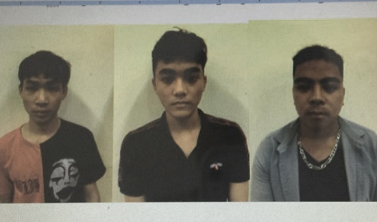 Hà Nội: Bắt nhóm thanh niên giả danh cảnh sát hình sự, cướp tài sản của người đi đường - Ảnh 1