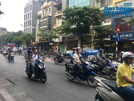 Hà Nội cảnh báo ô nhiễm không khí: Người dân ra đường bịt kín như Ninja - Ảnh 11