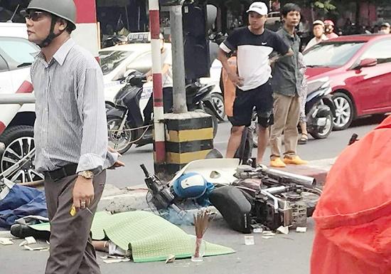 Tin tức tai nạn giao thông mới nhất hôm nay 21/10/2019: Người phụ nữ bị tàu hỏa tông tử vong - Ảnh 3