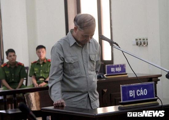 Cựu hiệu trưởng Đinh Bằng My dâm ô hàng loạt nam sinh lĩnh án 8 năm tù - Ảnh 1