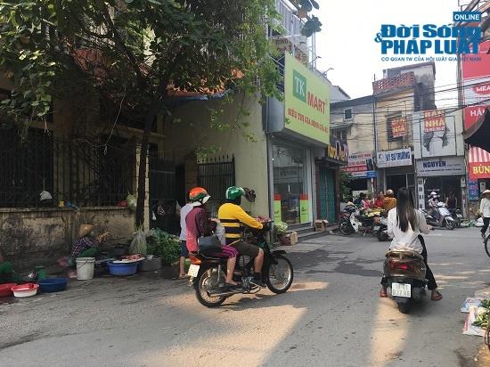 Vụ cháy công ty Rạng Đông: Phố Hạ Đình đông đúc sau nhiều ngày vắng vẻ, người dân yên tâm về nhà - Ảnh 8