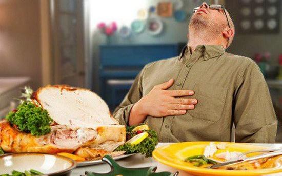 Ăn tối sau 6 giờ - mối nguy hiểm tiềm ẩn nhiều người mắc phải - Ảnh 2