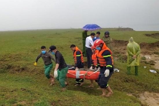 Hốt hoảng phát hiện thi thể nam thanh niên trôi dạt trên sông Lam - Ảnh 1
