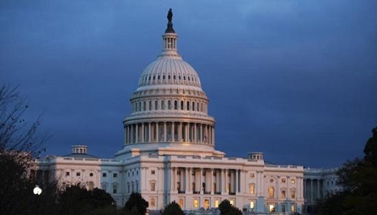 Xuất hiện máy bay lạ, Mỹ phong tỏa Nhà Trắng và trụ sở Quốc hội - Ảnh 1