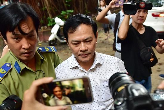 Ông Nguyễn Hữu Linh bị bác kháng cáo, y án 18 tháng tù về tội dâm ô - Ảnh 1