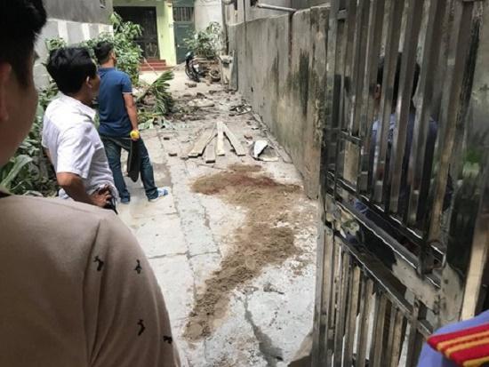 Hà Nội: Ngã từ giàn giáo tầng 5 xuống đất, nam công nhân tử vong - Ảnh 1