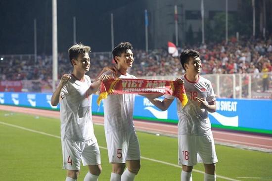 """Cổ động viên Indonesia: """"Việt Nam đang tiến bộ thần tốc và giờ là đội mạnh nhất Đông Nam Á"""" - Ảnh 1"""