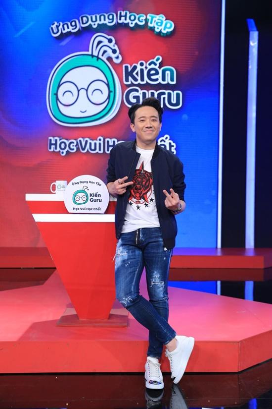 Trung vệ Đình Trọng lên đồ bảnh bao, bất ngờ tham gia chương trình truyền hình - Ảnh 6