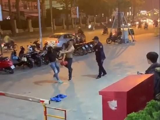Vụ người phụ nữ bị đánh tại trung tâm thương mại ở Hà Nội: Không có thương tích vẫn xử lý hành chính - Ảnh 1
