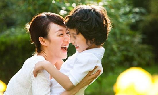 Những câu nói vô tình của cha mẹ nhưng ám ảnh con trẻ một đời - Ảnh 2