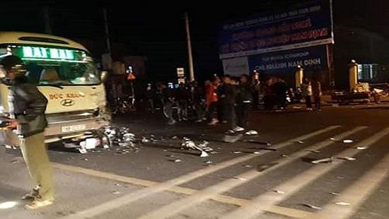 Tin tai nạn giao thông mới nhất ngày 22/12/2019: Xót xa bé 5 tuổi tử vong trên đường đi tham dự Noel với mẹ   - Ảnh 2