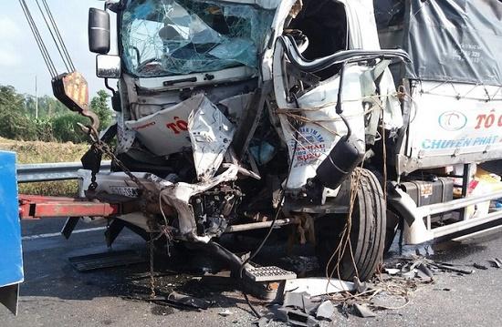 Tin tai nạn giao thông mới nhất ngày 22/12/2019: Xót xa bé 5 tuổi tử vong trên đường đi tham dự Noel với mẹ   - Ảnh 4