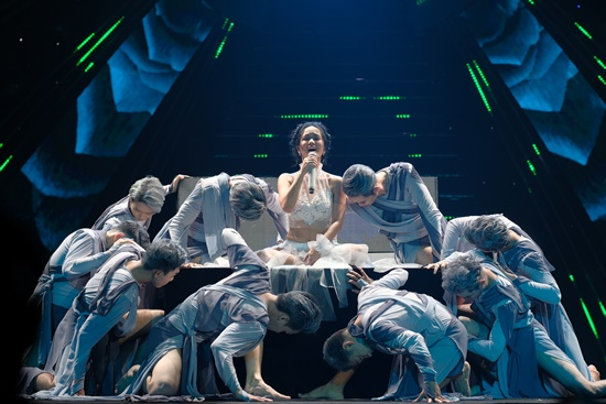 Đại tiệc âm nhạc VTV Newyear Concert chào 2020: Sắc màu hy vọng - Ảnh 3