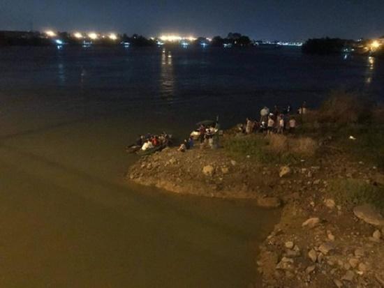 Xót xa nam sinh lớp 8 rơi xuống sông tử vong khi chơi cùng bạn - Ảnh 1