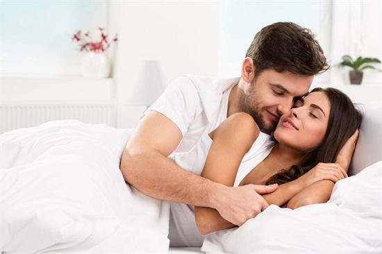 """Nếu không muốn """"đường ai nấy đi"""" vợ chồng tuyệt đối không được làm 3 điều này trong phòng ngủ - Ảnh 1"""