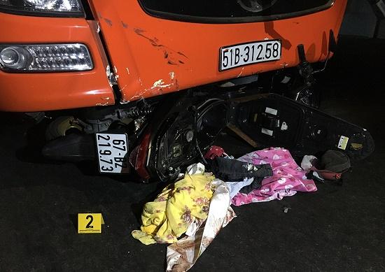 Tin tai nạn giao thông mới nhất ngày 29/12/2019: Xe khách lật nghiêng, 12 người bị thương - Ảnh 2