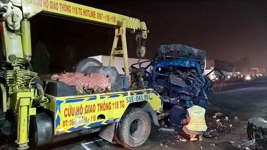 Tin tai nạn giao thông mới nhất ngày 29/12/2019: Xe khách lật nghiêng, 12 người bị thương - Ảnh 3