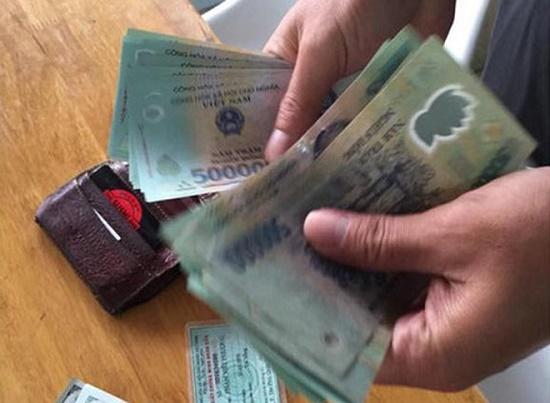 Thanh Hóa: Học sinh lớp 5 trả lại ví cho người mất - Ảnh 1