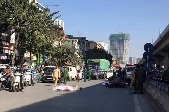 Hà Nội: Va chạm với xe tải, đôi nam nữ đi xe máy tử vong thương tâm - Ảnh 1