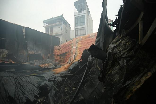 Vụ cháy 8 người chết và mất tích ở Hà Nội: Chủ tịch Nguyễn Đức Chung trực tiếp chỉ đạo chữa cháy - Ảnh 1