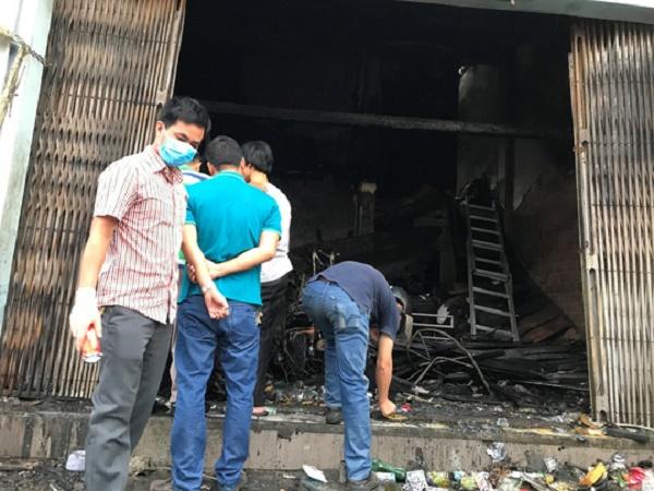Hiện trường ngổn ngang vụ cháy cửa hàng xe điện ở Huế khiến 3 người tử vong - Ảnh 4