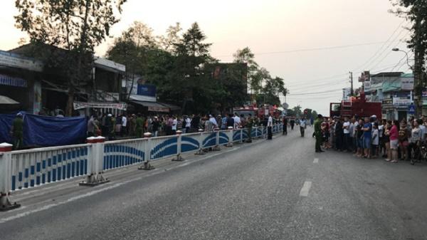 Hiện trường ngổn ngang vụ cháy cửa hàng xe điện ở Huế khiến 3 người tử vong - Ảnh 7