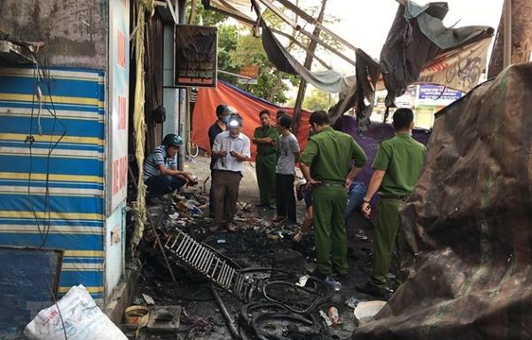 Hiện trường ngổn ngang vụ cháy cửa hàng xe điện ở Huế khiến 3 người tử vong - Ảnh 3