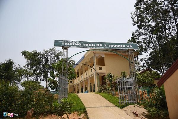 """Vụ thầy giáo bị """"tố"""" làm học sinh lớp 8 mang thai ở Lào Cai: Nữ sinh muốn đi học nhưng không dám  - Ảnh 2"""