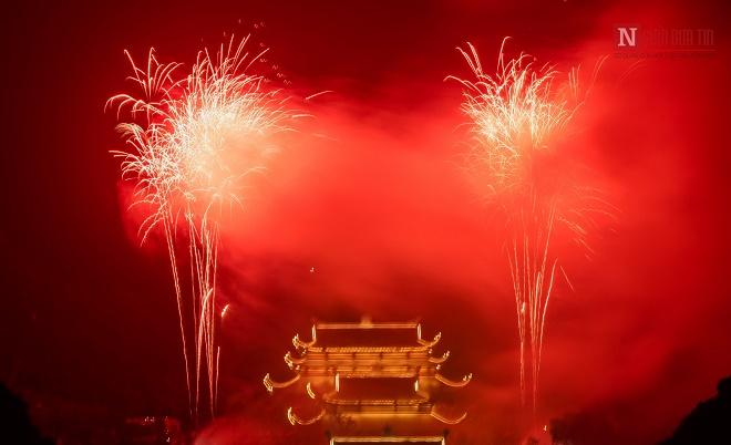 Mãn nhãn ngắm nhìn dàn pháo hoa tại Đại lễ Phật đản Vesak 2019 - Ảnh 1