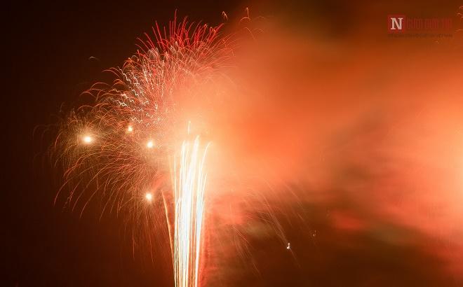 Mãn nhãn ngắm nhìn dàn pháo hoa tại Đại lễ Phật đản Vesak 2019 - Ảnh 4