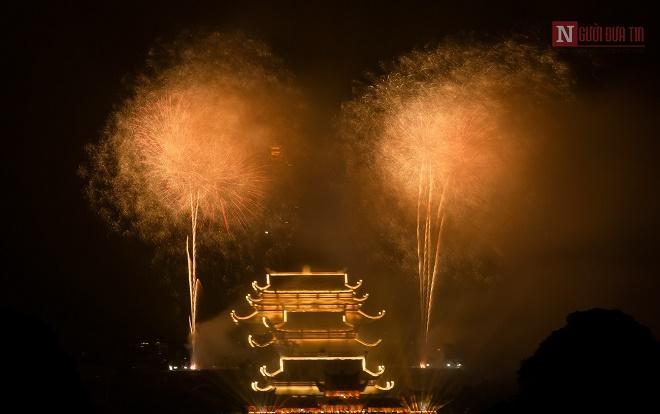 Mãn nhãn ngắm nhìn dàn pháo hoa tại Đại lễ Phật đản Vesak 2019 - Ảnh 7