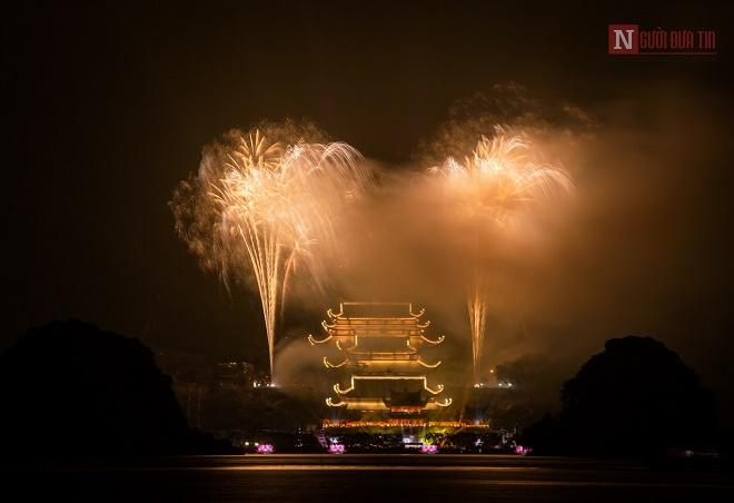 Mãn nhãn ngắm nhìn dàn pháo hoa tại Đại lễ Phật đản Vesak 2019 - Ảnh 8
